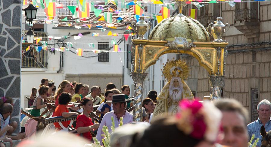 Procesión en la Fiesta de los Piostros